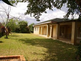 Khanondo Guest House photos Exterior