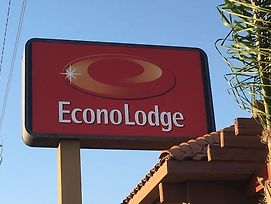Econo Lodge Near Bakersfield Fairgrounds photos Exterior