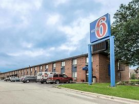Motel 6 Oak Creek Wi photos Exterior