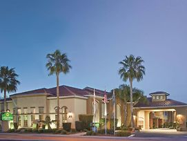 La Quinta Inn & Suites By Wyndham Los Banos photos Exterior