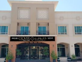 One To One Clover Hotel & Suites photos Exterior