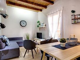 Renovated & Classic 3 Bedroom Sagrada Familia Apt. photos Exterior