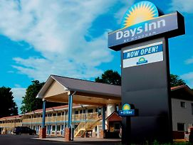 Days Inn By Wyndham Charles Town photos Exterior