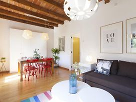 Charming Sunny Apartment Steps To Sagrada Familia photos Exterior