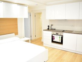 Modern 1 Bedroom Apartment In Central London photos Exterior
