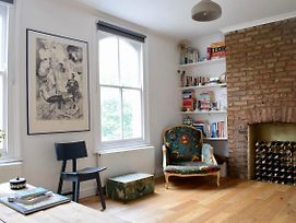 Chic 2 Bedrooms Apartment In Mile End photos Exterior