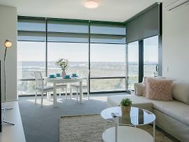Luxury Two Bedroom Apartment With Panoramic Views photos Exterior