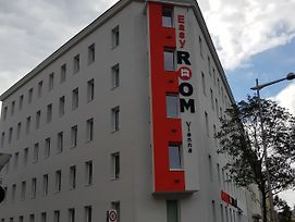 Easy Room Hostel Vienna photos Exterior