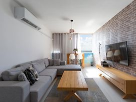 Cozy Sea View Apartment photos Exterior