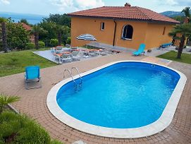 Family Friendly House With A Swimming Pool Opric 11785 photos Exterior