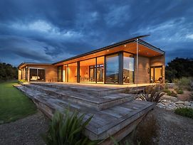 Aurum - Release Wanaka - Sleeps 6 - Amazing Lake Views photos Exterior