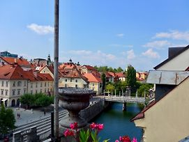 Old Town Terrasse View On Ljubljana River photos Exterior