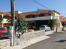 Apartments With A Parking Space Vrsi - Mulo, Zadar - 14243 photos Exterior