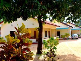 Yaswi Guest House photos Exterior