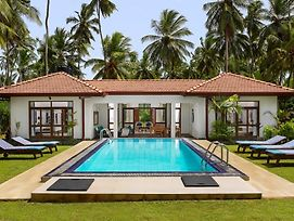 Ranna Beach Villa By Fox Resorts photos Exterior