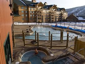 Hope Lake Lodge & Indoor Waterpark photos Exterior