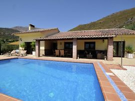 Luxurious Villa In Alcaucin With Private Swimming Pool photos Exterior