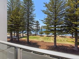 25 The Breeze Sea Views Right In The Heart Of Victor Harbor photos Exterior