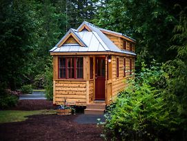 Mount Hood Village Lincoln Tiny House 2 photos Exterior