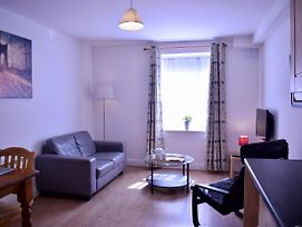 Bright 1 Bedroom Apartment In City Centre photos Exterior