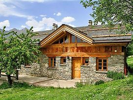 Charming Chalet In Bourg Saint Maurice Near Ski Area photos Exterior