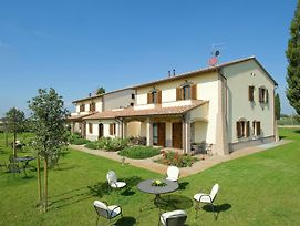 Scenic Villa In Cannara With Swimming Pool photos Exterior