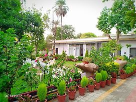 Hotel Toppers Corner Mount Abu photos Exterior