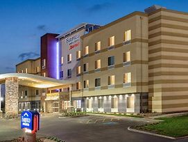 Fairfield Inn And Suites Philadelphia Broomall/Newtown Square photos Exterior