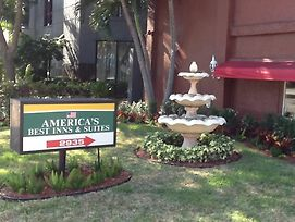 Americas Best Inn And Suites Fort Lauderdale North photos Exterior