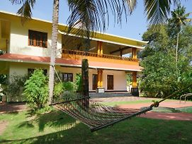 Furnished 1Br Home In Alappuzha photos Exterior