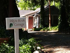 Piety Hill Cottages Motel And Bed And Breakfast photos Exterior