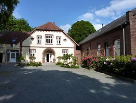 Landhaus Wattmuschel Alte Schule Romantic Property In A Secluded Location photos Exterior