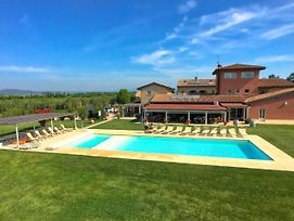 Spacious Holiday Home In Braccagni Tuscany With Pool photos Exterior