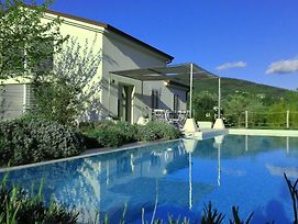 Hillside Villa With Swimming Pool And Jacuzzi - Frasassi Caves photos Exterior