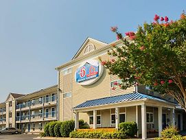 Motel 6 Fayetteville photos Exterior