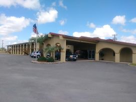 Days Inn By Wyndham San Antonio Lytle photos Exterior