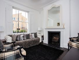 Stunning 3 Bedroom House In Clapham Manor photos Exterior