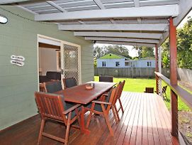 24 Sundew Street Mudjimba 500 Bond Pet Friendly Linen Supplied Wifi Air Cond. photos Exterior