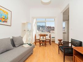 Bright Flat For 4 In Central Lisbon - 4Mins To Anjos Station photos Exterior