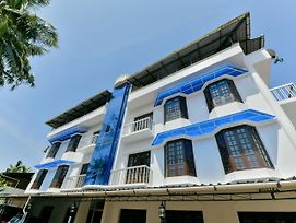 Contemporary 2Bhk Home In Kaloor, Kochi photos Exterior