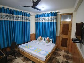 Premium 1Br Stay On Naggar Road photos Exterior