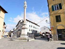 Fabulous Mansion In Lucca Town Centre photos Exterior
