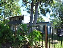 14 Larapinta Court Two Storey Family Home In A Quiet Street Close To Swimming Pool & Sports Club photos Exterior