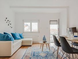 Bright & Airy Flat On Iconic 28 Tram Line photos Exterior