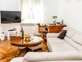 Antique And Cozy Apartment In Heart Of City Center photos Exterior
