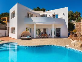 Es Cana Villa Sleeps 8 Pool Air Con Wifi photos Exterior