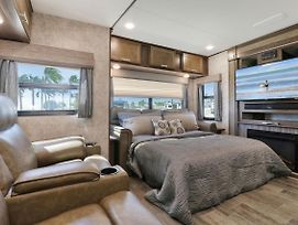 Sunshine Key King Travel Trailer 3 photos Exterior