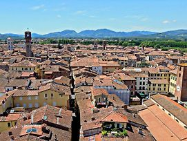 Gorgeous Mansion In Lucca Town Centre photos Exterior
