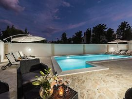 Villa Star 6 Luxury Apartment With A Pool photos Exterior