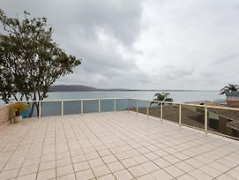 1 'Kooringal' 105 Soldiers Point Road Waterfront Unit Wth Aircon photos Exterior